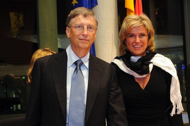 Dagmar Wöhrl und Bill Gates im AWZ, Ausschuss für wirtschaftliche Entwicklung und Zusammenarbeit. Bundestag 2013.