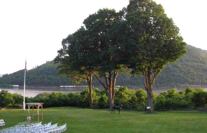 Self-tanner, an Arbor, and a Hudson River Wedding