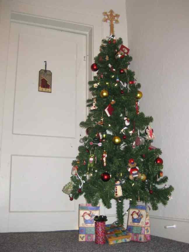 fake Christmas tree, DagmarBleasdale.com