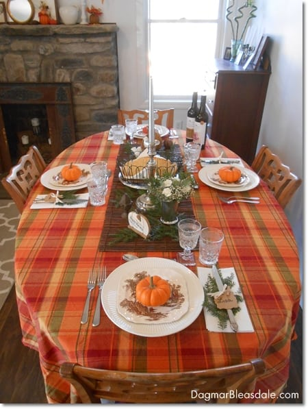 Easy thanksgiving table setting with vintage items for Easy table settings for thanksgiving