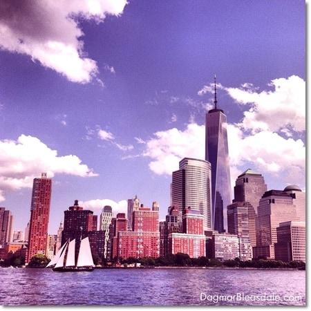 Manhattan, Freedom Tower, Hudson River, sail boat