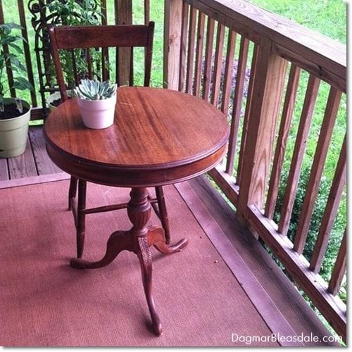 vintage find: little round table