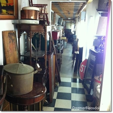 Queechee Gorge Village antiques store