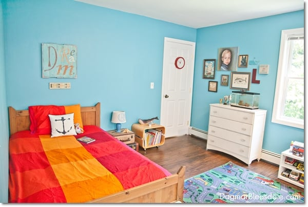turquoise room, boy's room