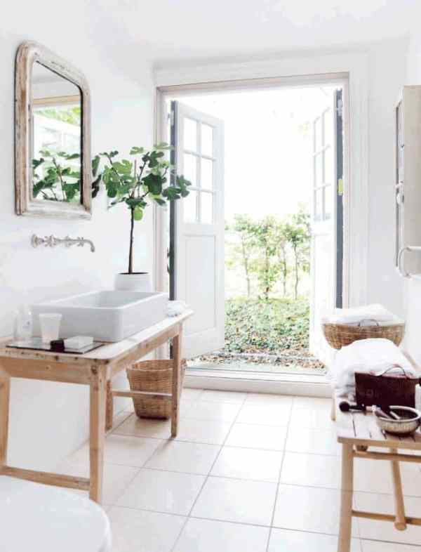 Scandinavian cottage decor, bathroom, DagmarBleasdale.com
