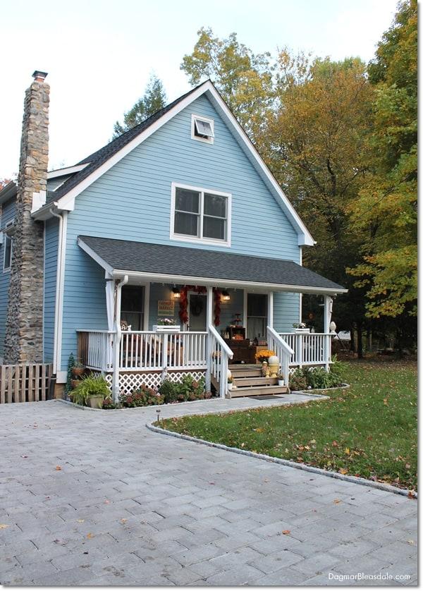 Blue Cottage, cobble stone driveway and path, DagmarBleasdale.com