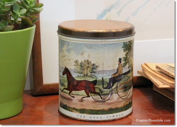 Vintage Decorware Tin, Currier & Ives The Road, DagmarBleasdale.com