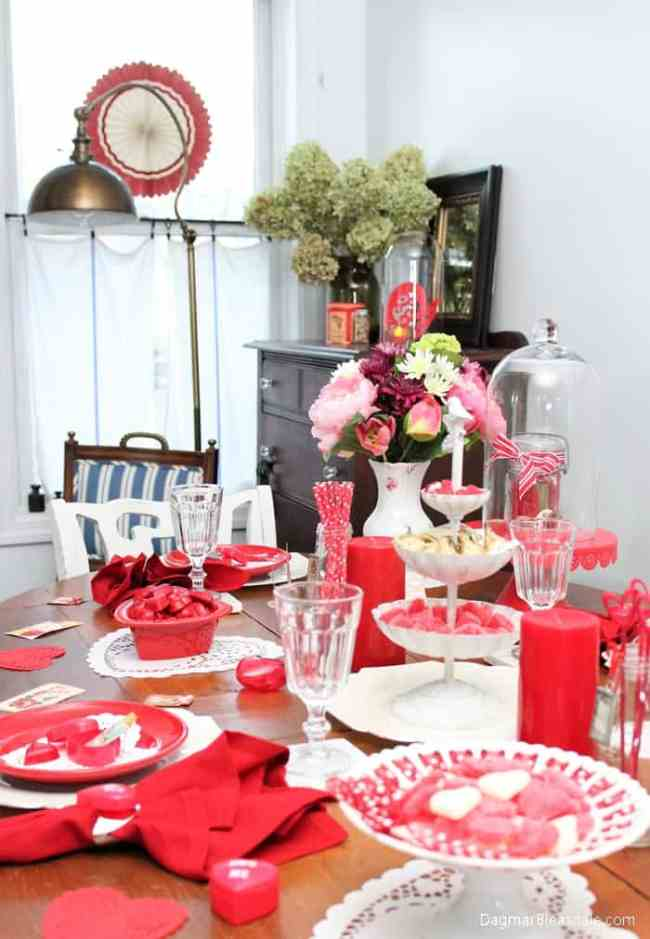 valentine 39 s day tablescape with heart shaped doilies