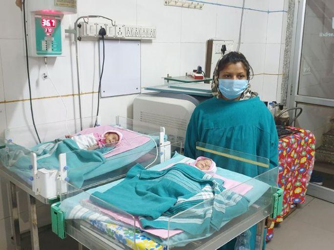 તેમના શરીરનું તાપમાન 37 ડિગ્રી આસપાસ રહે તેની ડો. રાકેશ લબાના અને તેમની ટીમ દ્વારા સતત તકેદારી રાખવામાં આવી - Divya Bhaskar