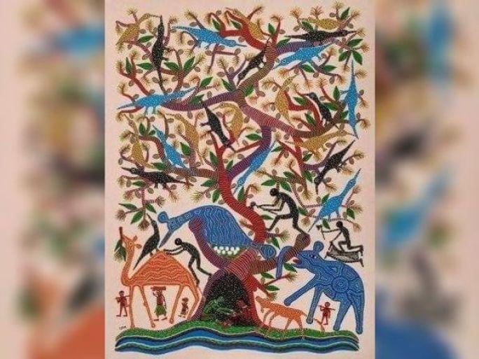 નદી-નાળા, પર્વતો, પશુ-પક્ષીઓ સાથે ભીલ દેવ-દેવતા, રીતરિવાજોને સાંકળીને ભુરીબેન ચિત્ર ચિત્રો બનાવે છે. - Divya Bhaskar
