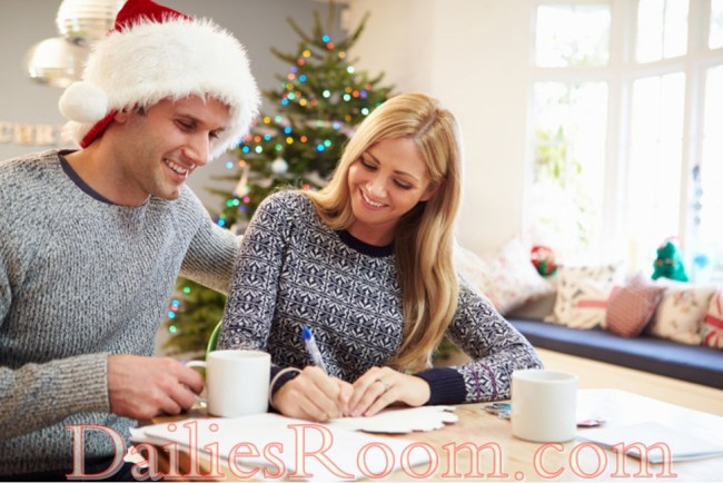 5 Financial saving tips for the holiday season - Holiday preparations