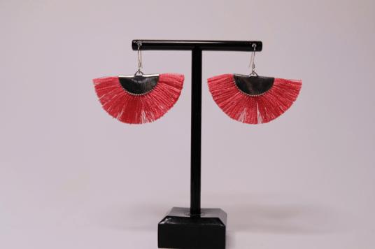boucles-doreilles-pompon-rose-credit-shopbyclo-1