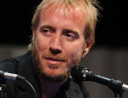 rhys-ifans-comic-con