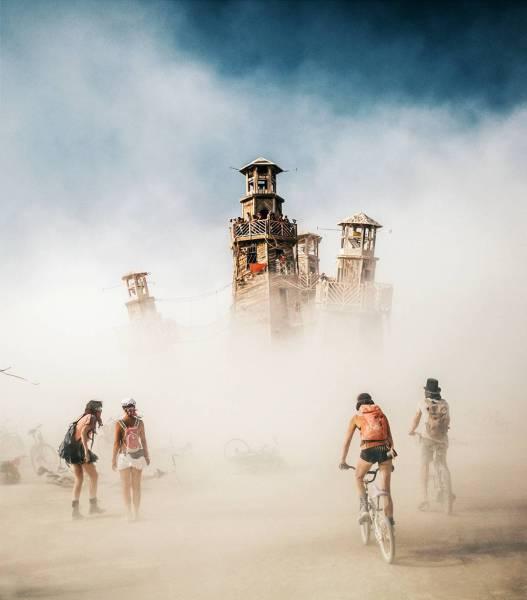 Dit Zijn De 25 Coolstemafste Fotos Van Burning Man 2016