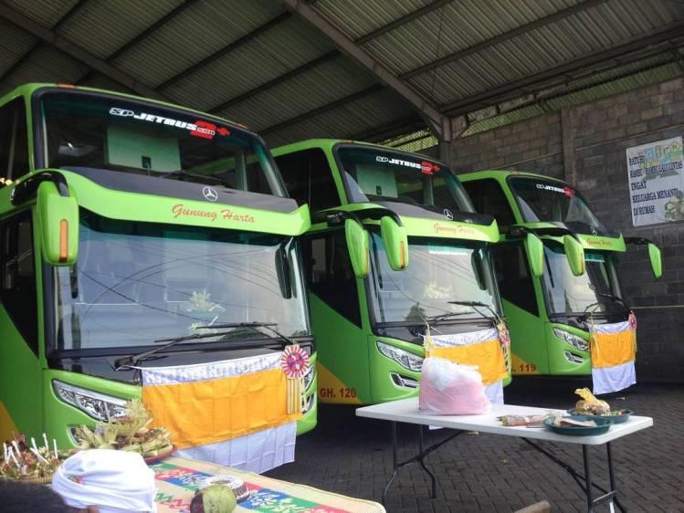Armada PO Gunung Harta -Mercedes Benz Kaoseri Adi Putro Jetbus 2 SHD