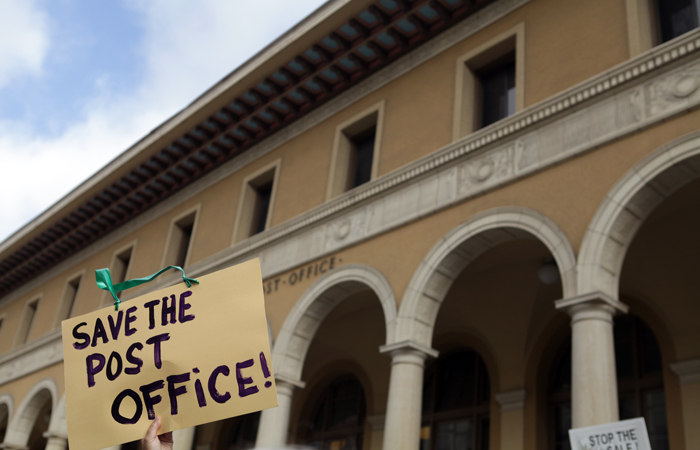 Berkeley residents protest sale of main post office   The