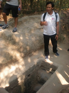 My guide, Heiu, explaining about the tunnels.