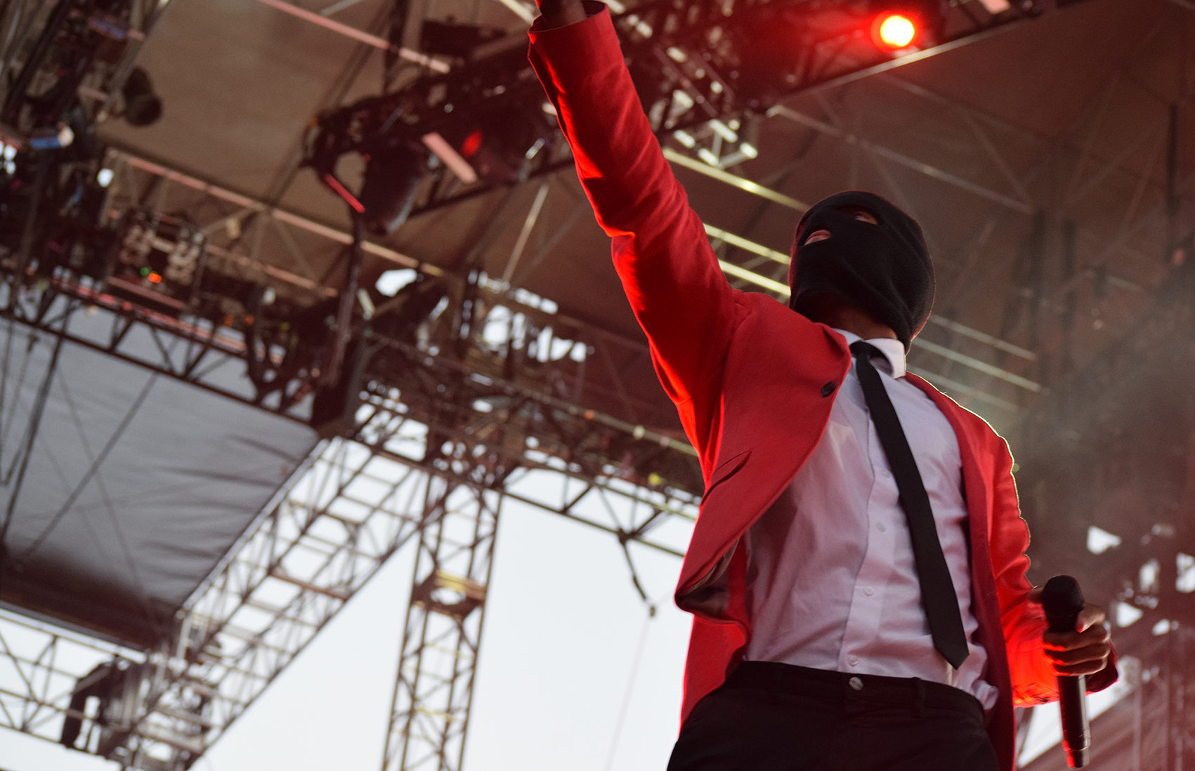Twenty One Pilots Grapples With Growing Pains At The Greek Theatre The Daily Californian
