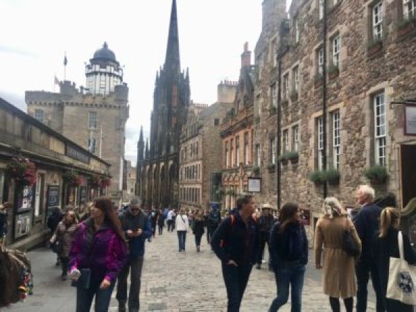 2edinburgh_lauren-west_staff