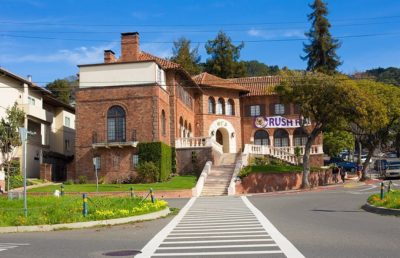Exterior shot of Phi Gamma Delta Fraternity at UC Berkeley.