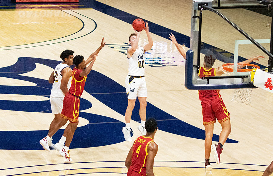 Photo of Ryan Betley of Cal Men's Basketball shooting the basketball