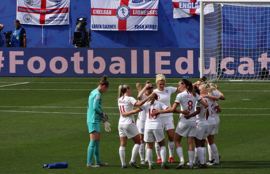 photo of the England women's soccer team
