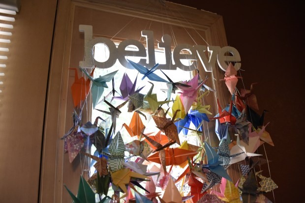 Insider's guide to... Making an origami paper crane - InsideJapan Blog | 413x620