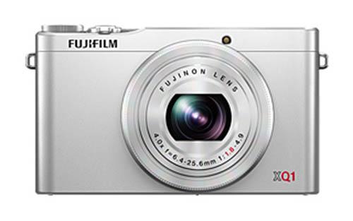 Fujifilm-XQ1-camera-silver