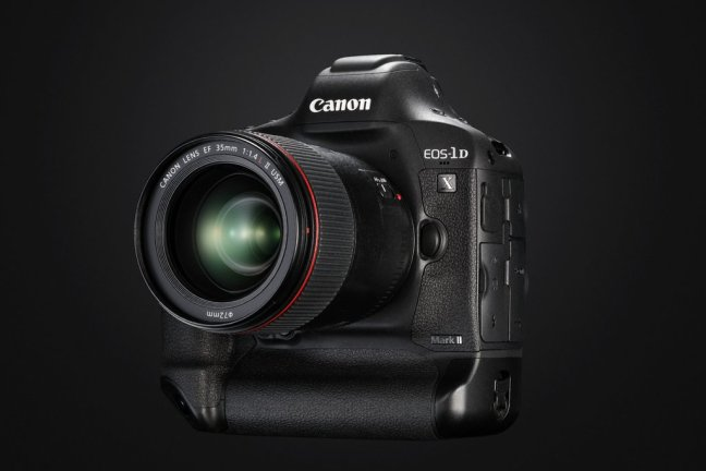 Canon 1D X Mark II Hands-on Video Reviews