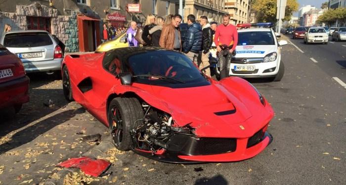 Crashed-La-Ferrari-Budapest
