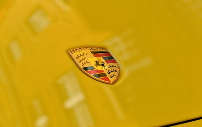 2019 Porsche 911 8th generation badge dailycarblog.com