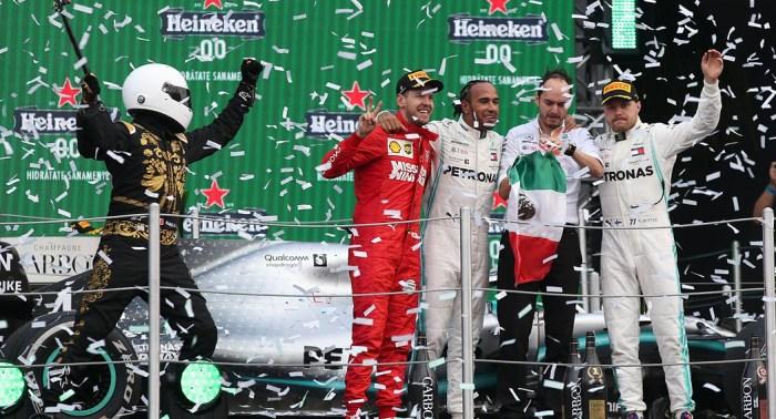 2019 Mexico Grand Prix Selfie guy