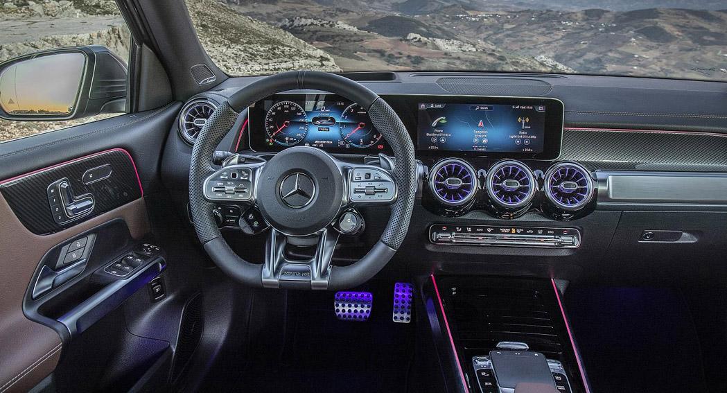 Mercedes AMG GLB 35 - UK Price - Interior - Dailycarblog.com