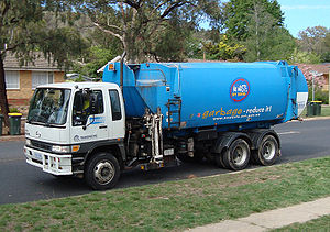 Automated Side Loader garbage truck in Canberr...