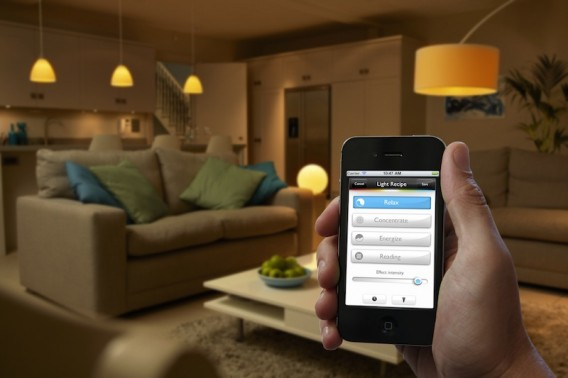 Philips Hue - iPhone Controlled LED Light