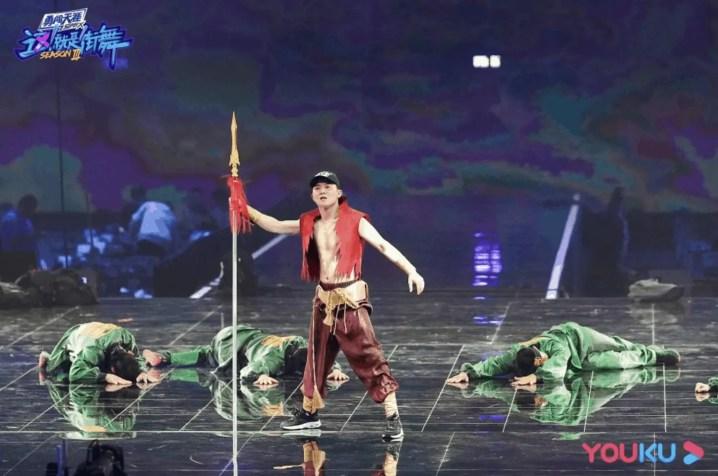 Screenshot-2020-10-06-at-9.52.33-PM-1-300x199 Yang Kai From Wang Yibo's Team Is The Champion For Street Dance Of China 3!