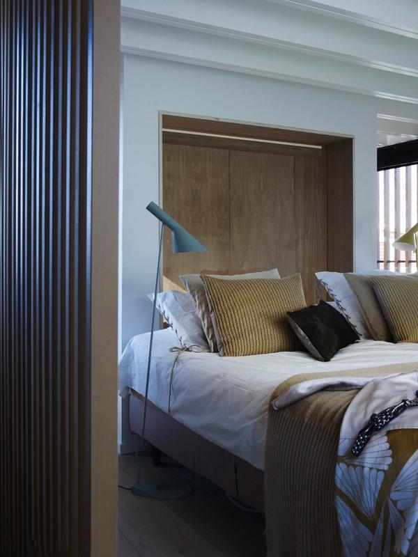 Houseboat - the Water Villa interior II