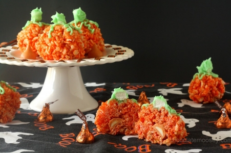 Halloween Recipes: Candy Stuffed Rice Crispy Treat Pumpkins