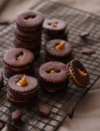 Halloween Recipes: Dulce de Leche Bat Cookies