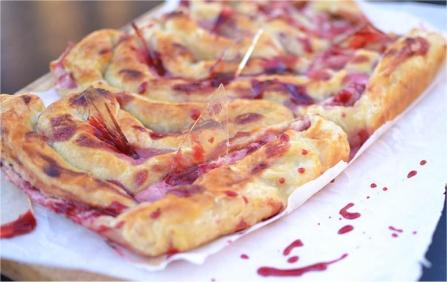 Halloween Recipes: Sweet Intestines with Broken Glass