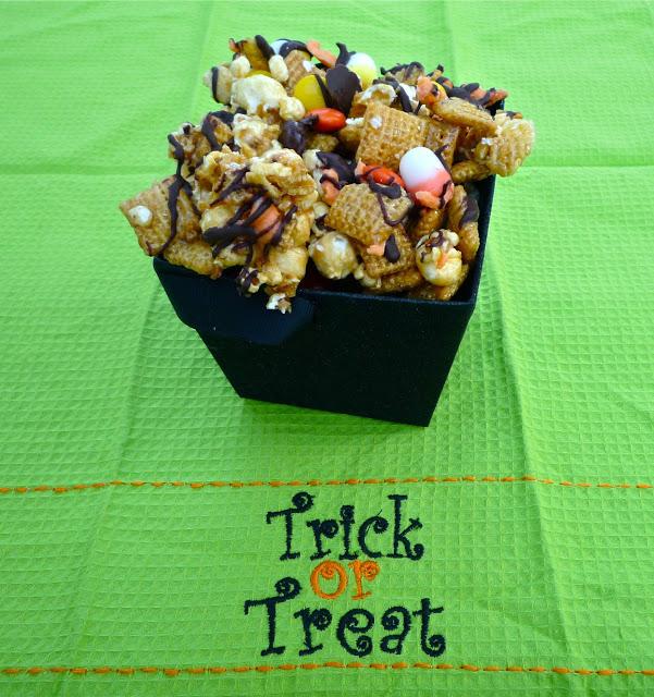 Spooky Good Popcorn Snack Mix