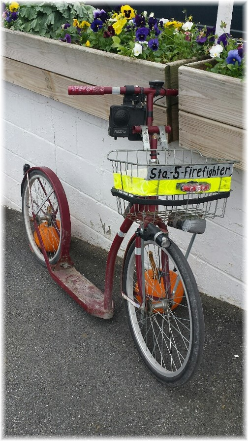 Amish fire scooter (Photo by Lee Smucker)