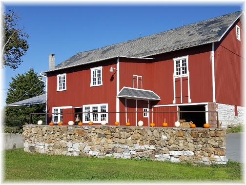 Seyfert Orchard barn in Lebanon County 10/17/17