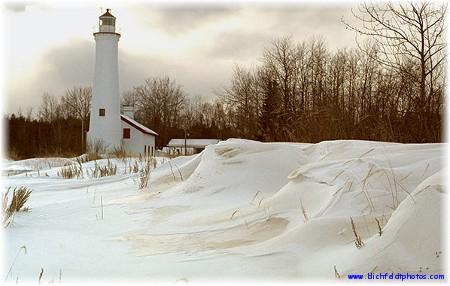 Sturgeon Point Lighthouse (photo by Harold Blichfeldt)
