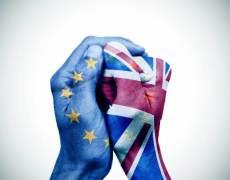 Hard Brexit Worries Send Pound Lower