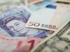 Fed Easing Bets Help to Lift Euro