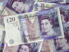 Outlook Weighs on Sterling Trade