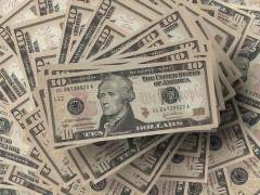 US Dollar Poised to Record Weekly Gain