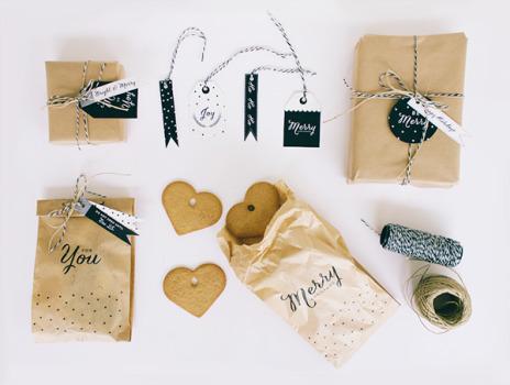 Printable Christmas Gift Tags & Paper bags