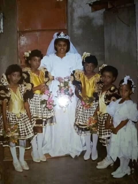 Man recounts how his mother made him a flower girl at a wedding2